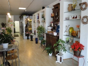 Flower Shop in Beach Community, Must See!